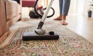 فرش ماشینی را چگونه جارو بزنیم؟